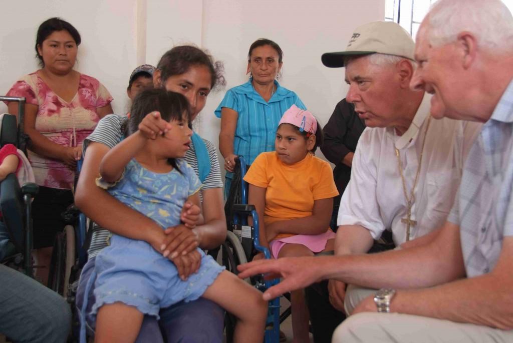 Nah bei den Menschen: Mit einer Delegation von Regensburgern in Lima unterwegs.