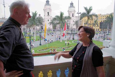 Beim Treffen mit der Oberbürgermeisterin von Lima.