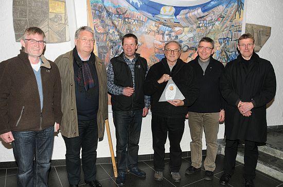 Verleihung der Ehrennadel an die Organisatoren Paderborner Wallfahrer