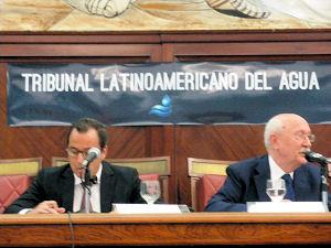 """In der argentischeIn Argentiniens Haupstadt Buenes Aires tagt """"Lateinamerikanische Wassertribunal""""."""