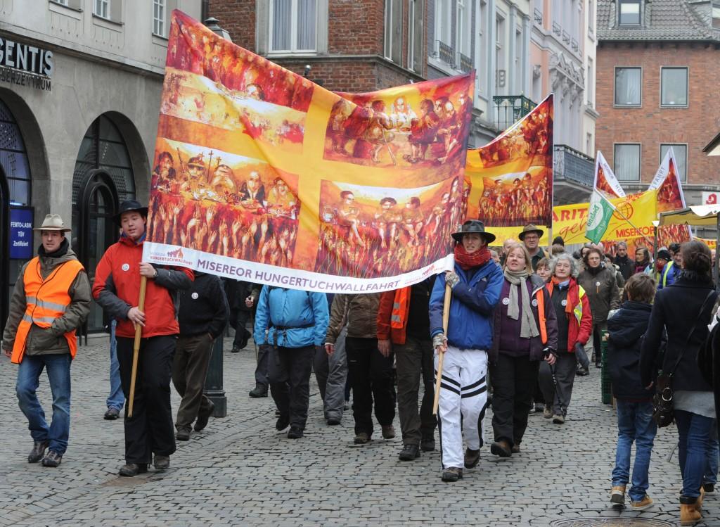 Nebenbei lernen die Wallfahrer immer wieder ein neues Stück Deutschland kennen © Radtke/KNA