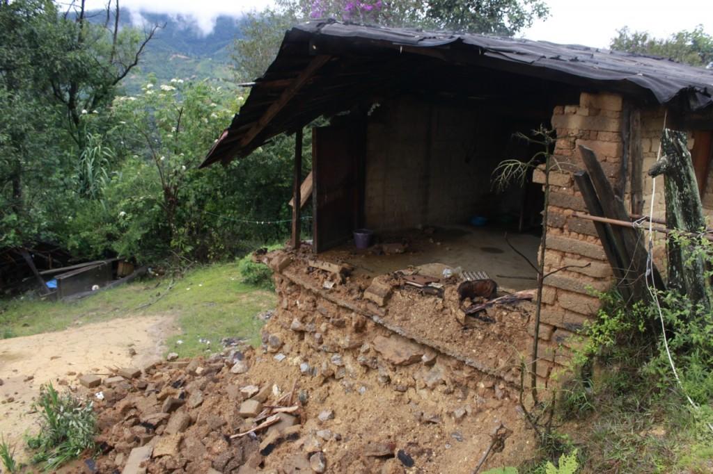 Viele Häuser sind komplett zerstört.