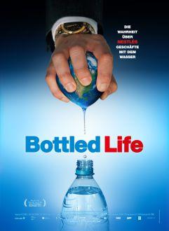 """""""Bottled Life"""": Ein Film auf den Spuren von Nestlés schmutzigen Geschäften"""