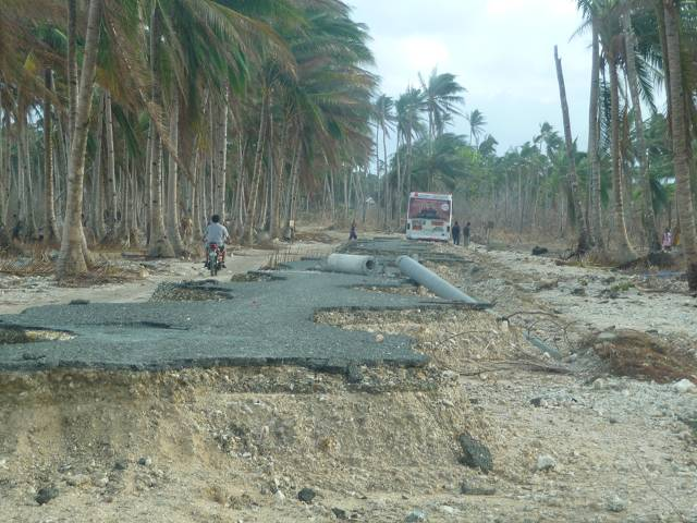 Ganze Straßen wurden von der Sturmflut weggespült.