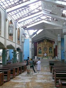 Die Kirche von Santo Nino: Aufgeräumt und geputzt, aber ohne Dach.