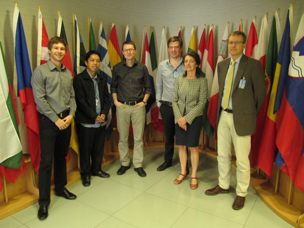 Mitglieder der Delegation des Aktionsbündnis Menschenrechte - Philippinen beim Besuch der EU Delegation in Manila
