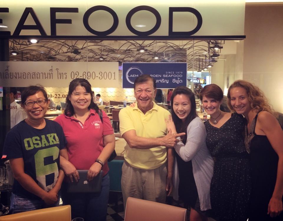 Kun Nattaya, Pii Chii, Kun Ben, Lilliyen, Barbara und ich