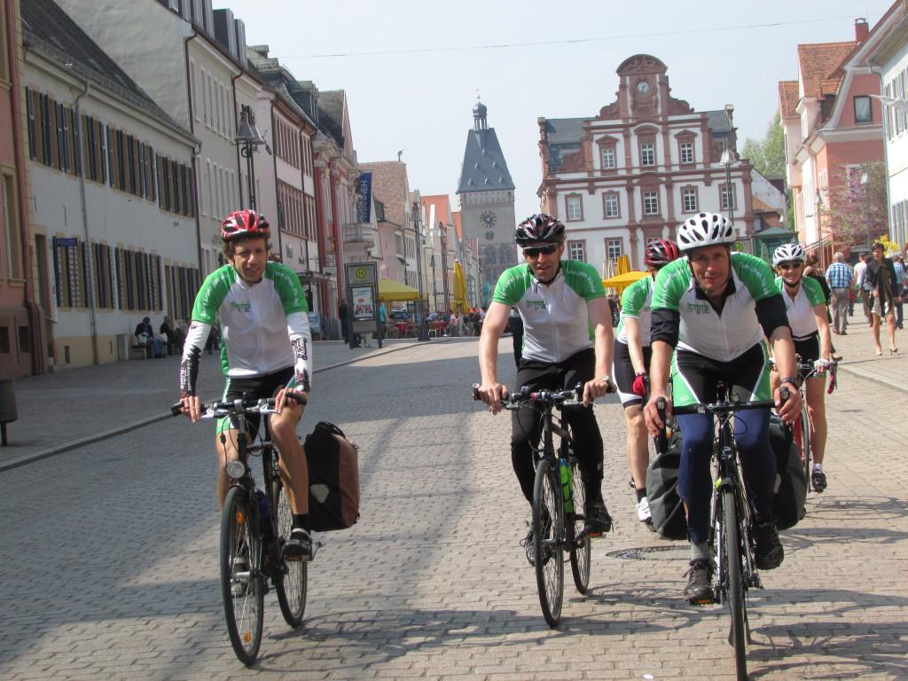 Die drei Radler, von links nach rechts: Christoph Fuhrbach, Steffen Glombitza, Tobias Wiesemann © Julie Waller