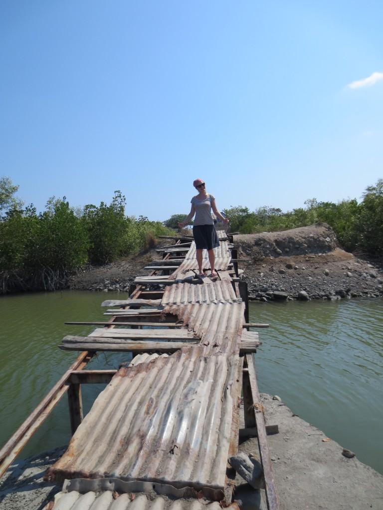 Hoffentlich hält die Brücke!
