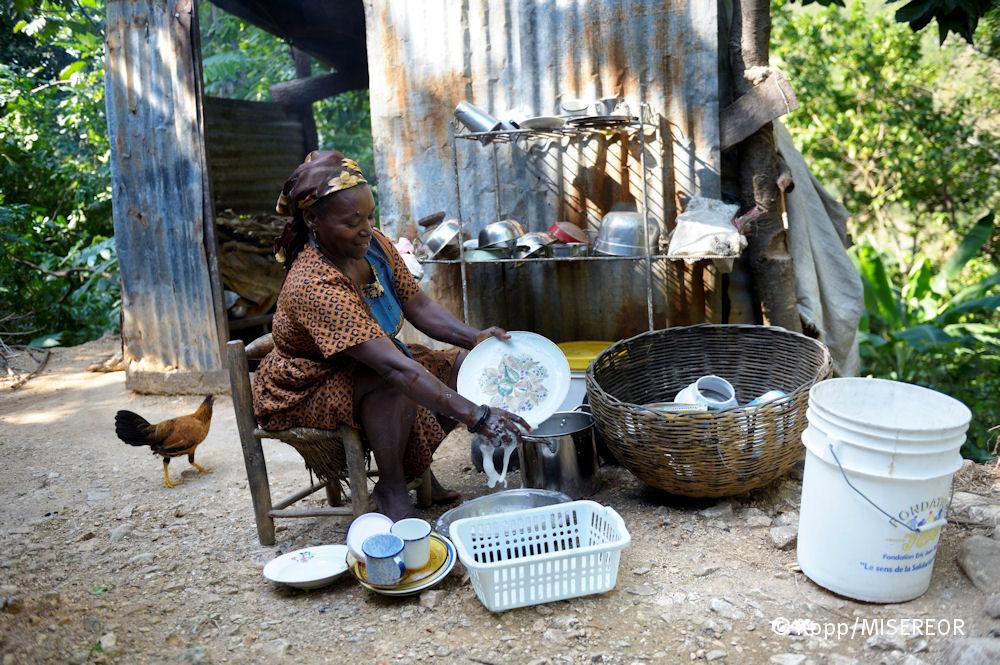 Keinen Strom, kein fließend Wasser Das Leben in den Bergen Haitis ist alles andere als einfach_Florian Kopp