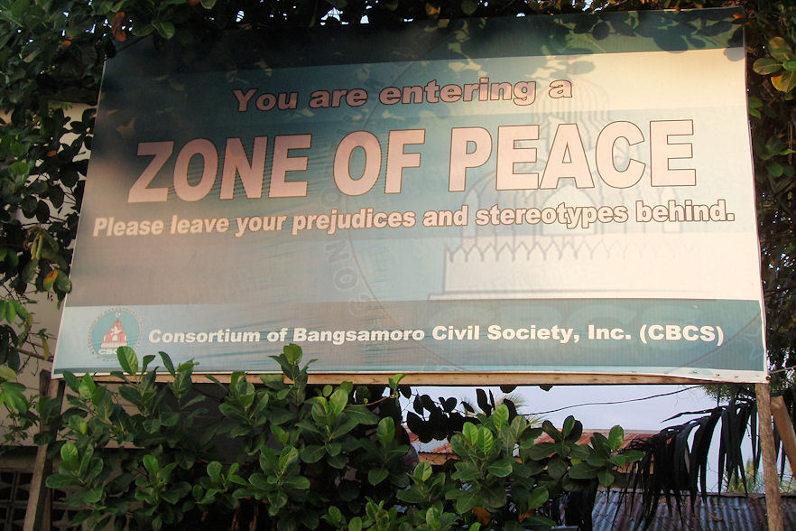 Zivilgesellschaftliche Organisationen haben umgehend und mit aller Deutlichkeit die Gewalt verurteilt und aufgerufen, den Friedensprozess nicht in Frage zu stellen.
