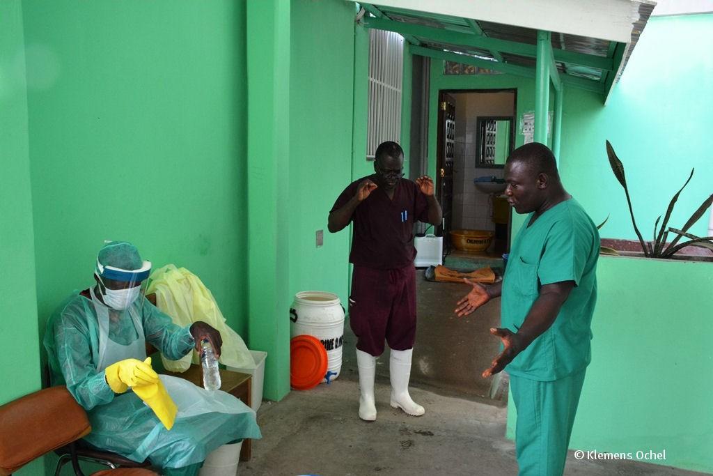 Klink unter IPC-Ebola-Liberia_Klemens Ochel (11)