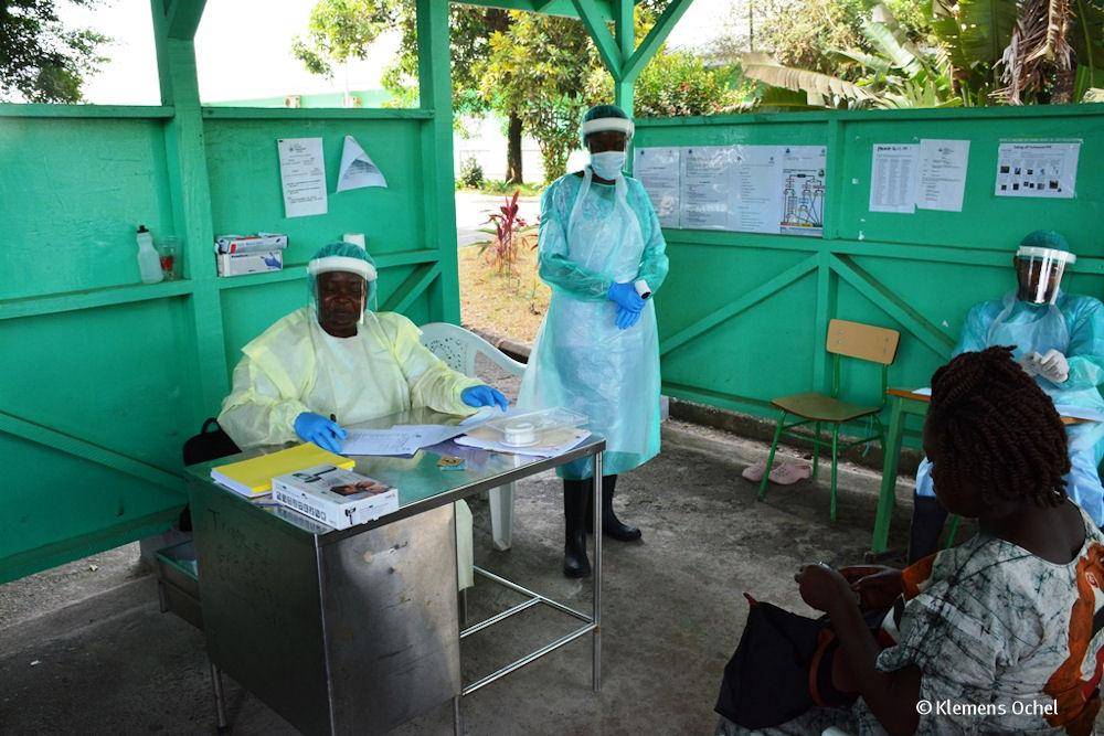 Klink unter IPC-Ebola-Liberia_Klemens Ochel (4)