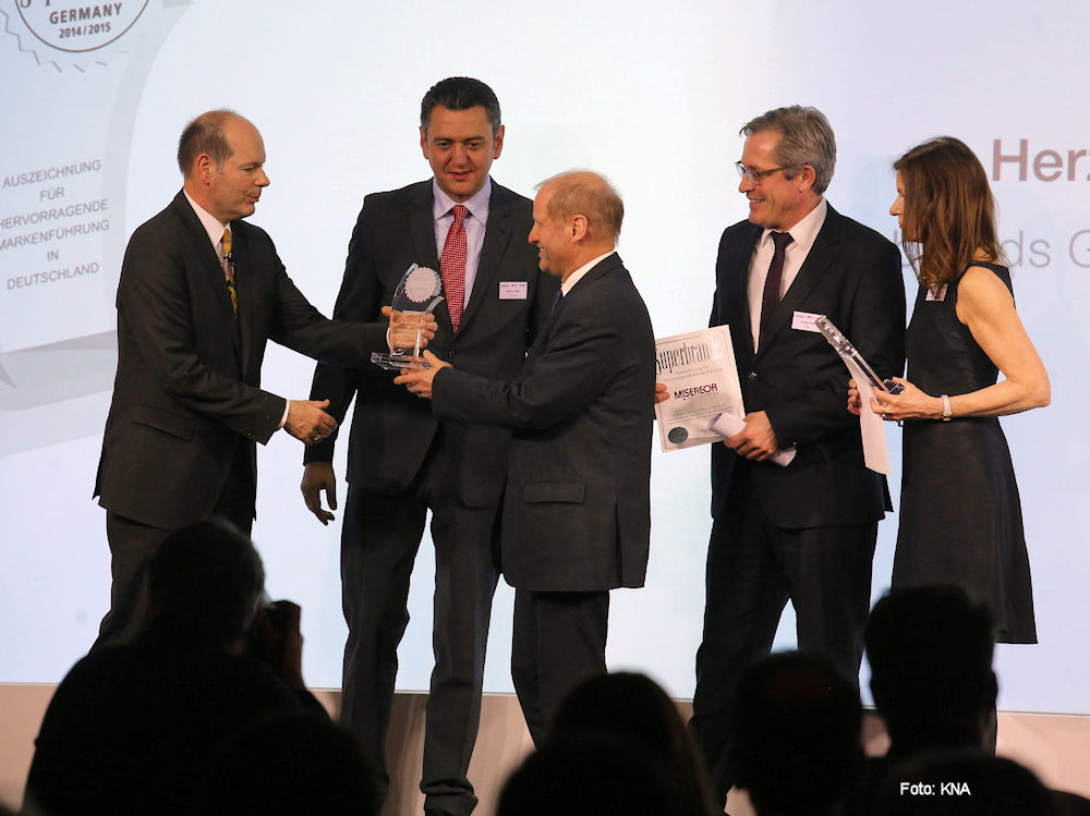 MISEREOR-Hauptgeschäftsführer Pirmin Spiegel nahm am Mittwoch Abend den Preis in Berlin entgegen.