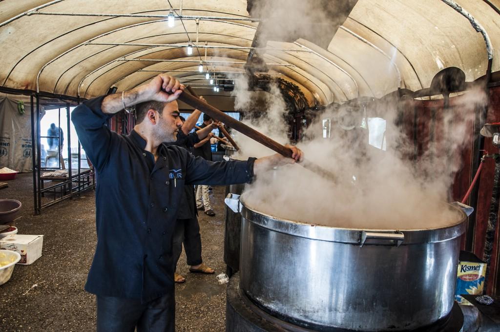 Die Küche versorgt Binnenvertriebene in Aleppo mit 8.000 Mahlzeiten pro Tag. © Gebrail Saud/JRS Aleppo