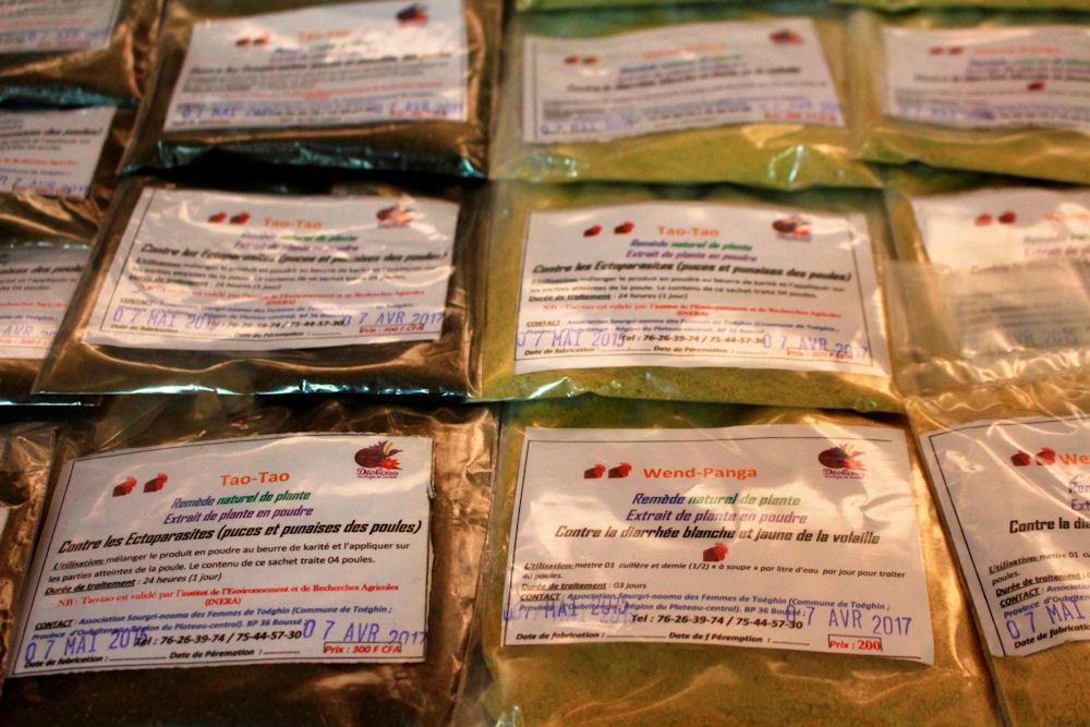 Pulver gegen Parasiten bei Hühnern