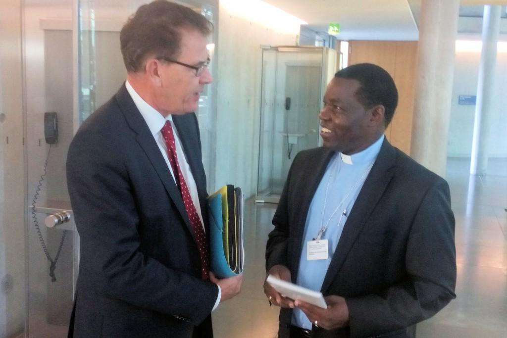 Minister Gerd Müller und Bischof Eduardo Kussala_Südsudan