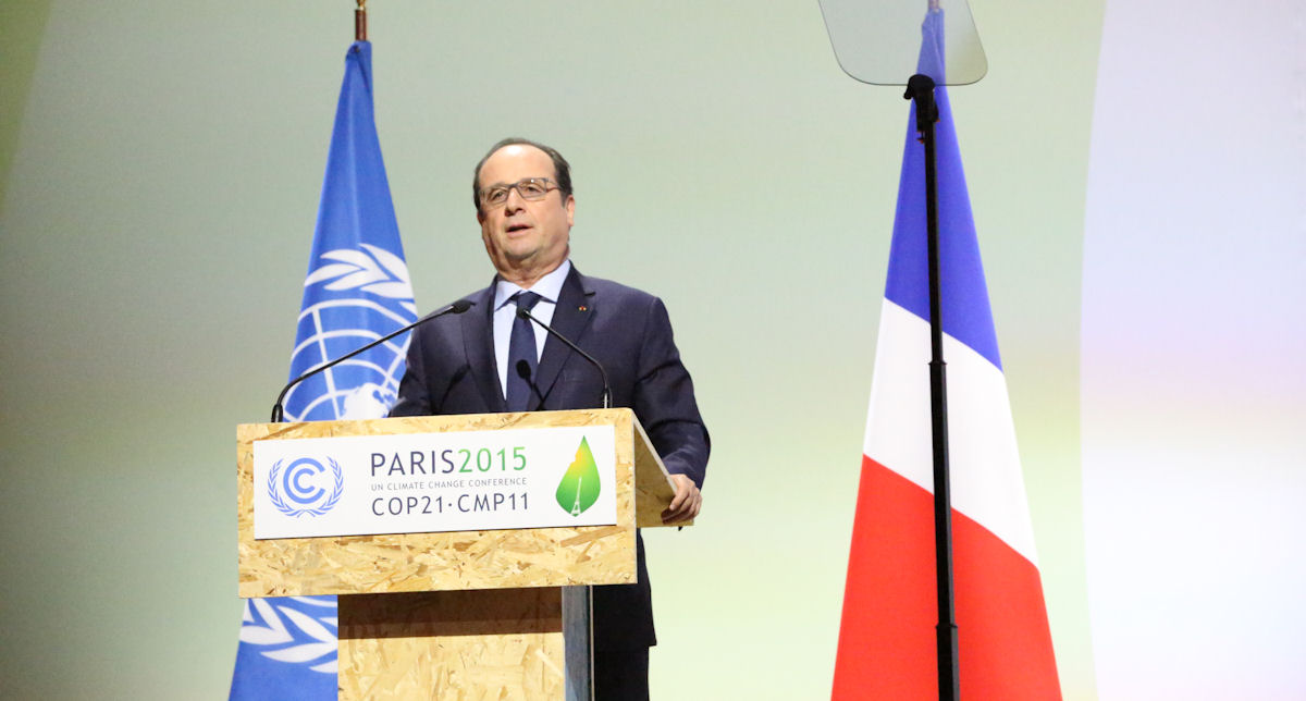 Frankreichs Präsident Hollande möchte auch mit dem Klimavertrag ein neues Kapitel für die Menschenrechte aufschlagen, doch die Chancen, dass die Einzug in das Abkommen finden, schwinden. Foto: UNFCCC