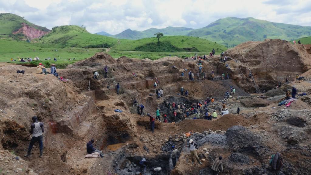 Koltanmine in Fungamwaka im Osten der Demokratischen Republik Kongo © Roland Brockmann/MISEREOR