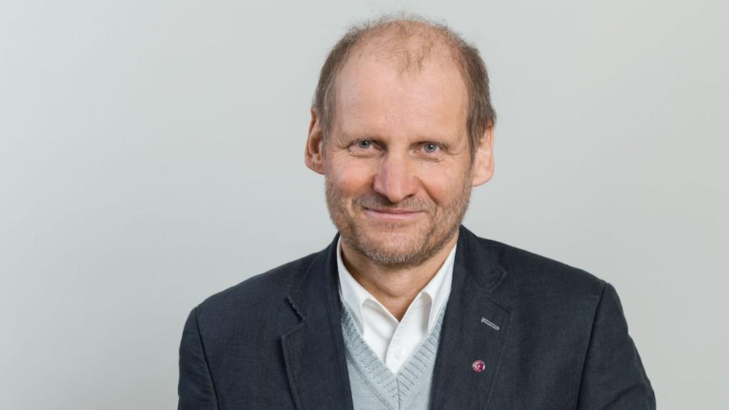 Pirmin Spiegel kritisiert im Interview den Syrieneinsatz der Bundeswehr © MISEREOR