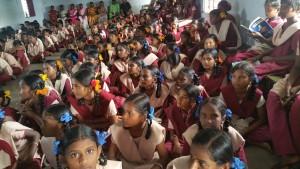 People's watch möchte Kindern die universellen menschenrechte nahbringen und sie prägen, bevor sie ein Kastenbewusstsein entwickeln
