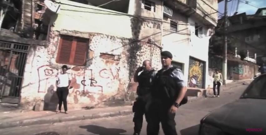 polizei-in-rio-in-der-favela
