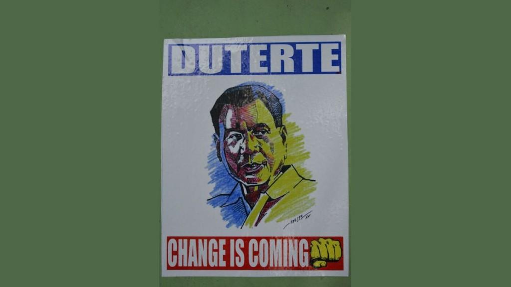 """Dutertes Wahlkampfslogan """"Change is coming"""" und die geballte Faust als Symbol kamen bei vielen Wählerinnen und Wählern gut an © Thomas Kuller/MISEREOR"""