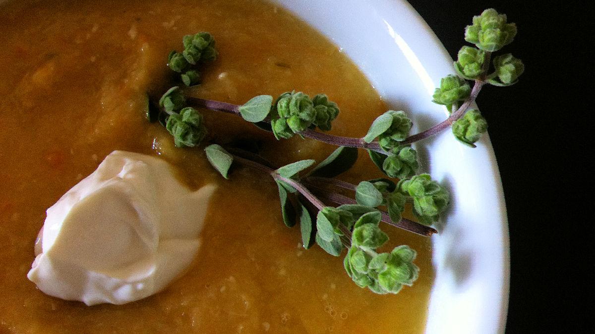 Ein Traditionsgericht wiederentdeckt: Die Gelbe Suppe.