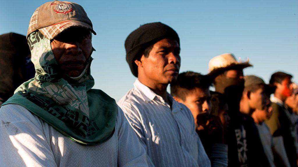 Indígenas na retomada da Fazenda Novilho, Caarapó