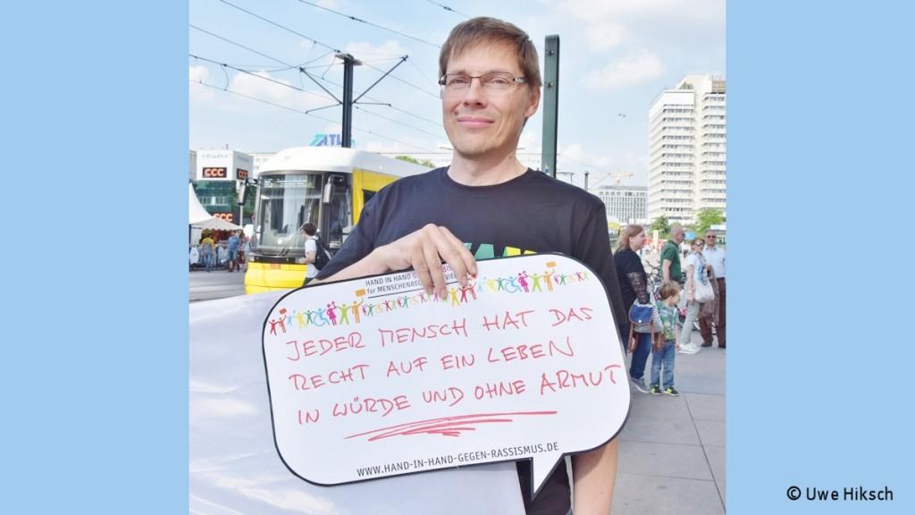 Hand in Hand gegen Rassismus_Foto_Uwe Hiksch