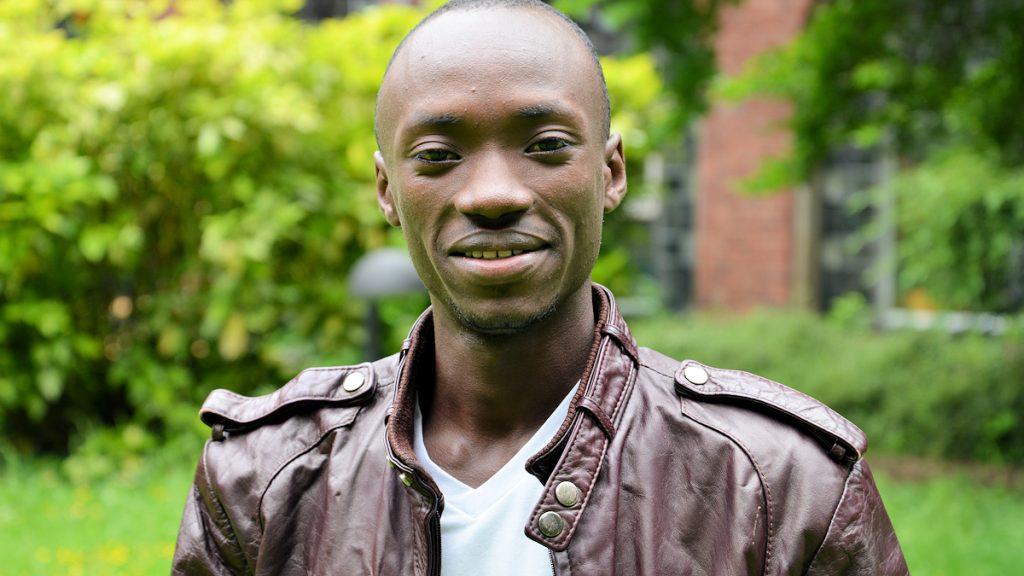 Bienfait (26) aus Ruanda hat viel Erfahrung in der Arbeit mit Kindern, mit der er die Arbeit eines Caritas-Jugendcafés in Köln bereichern wird ©Thomas Kuller/MISEREOR