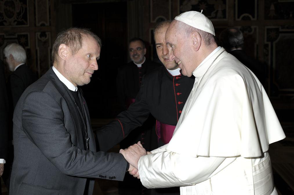 MISEREOR-Hauptgeschäftsführer Pirmin Spiegel traf Papst Franziskus im Februar 2016. Foto: KNA