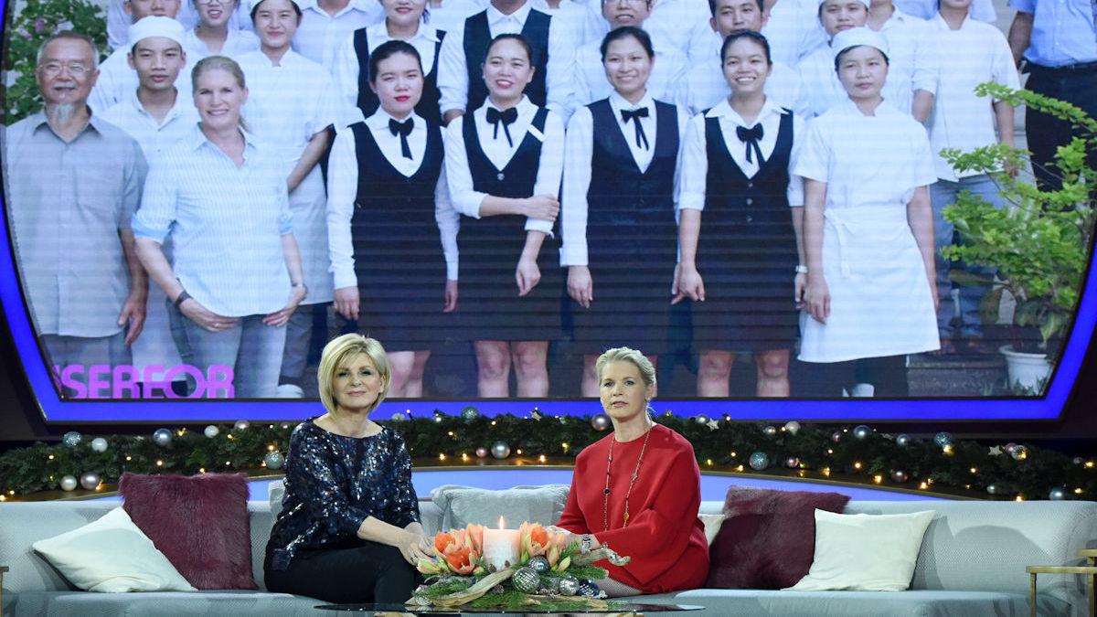 Fernsehköchin Cornelia Poletto berichtet von ihrem Besuch der Gastronomiefachschule für benachteiligte Jugendliche in Vietnam. © Sascha Baumann