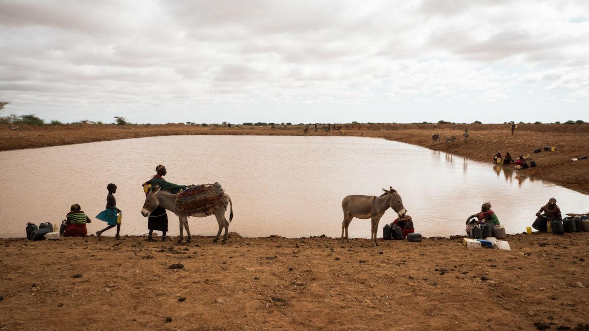 Regenrückhaltebecken in Kenia