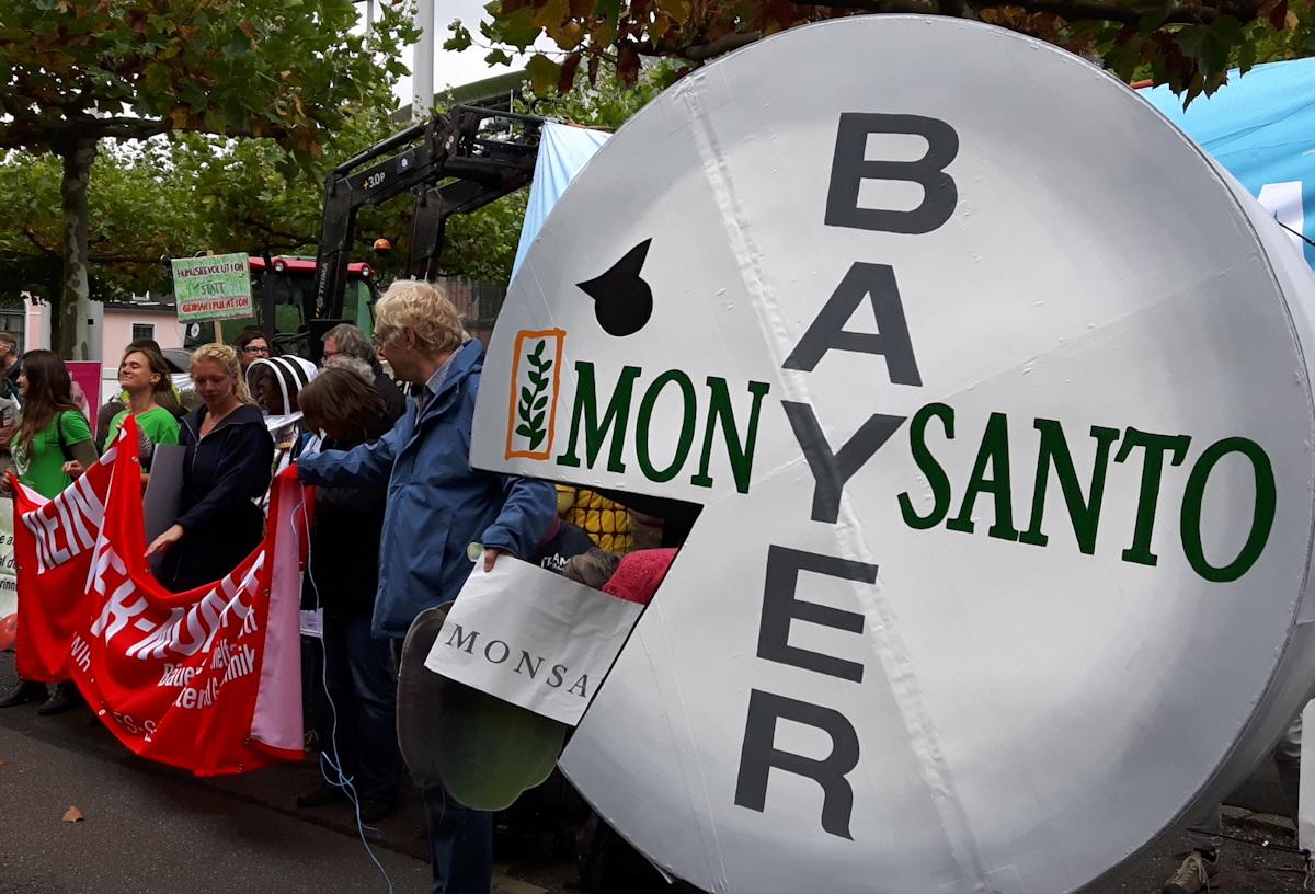 """Bayer und Monsanto als """"Pac-Man"""""""