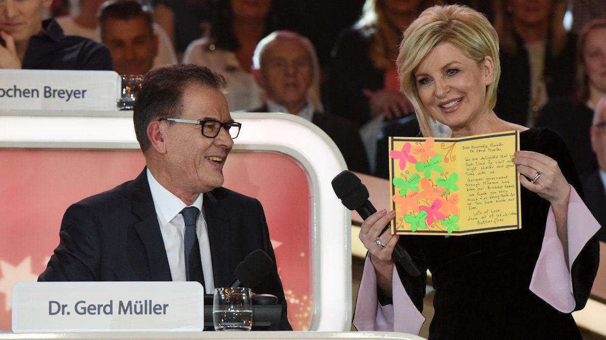 Bundesentwicklungsminister Gerd Müller mit Carmen Nebel