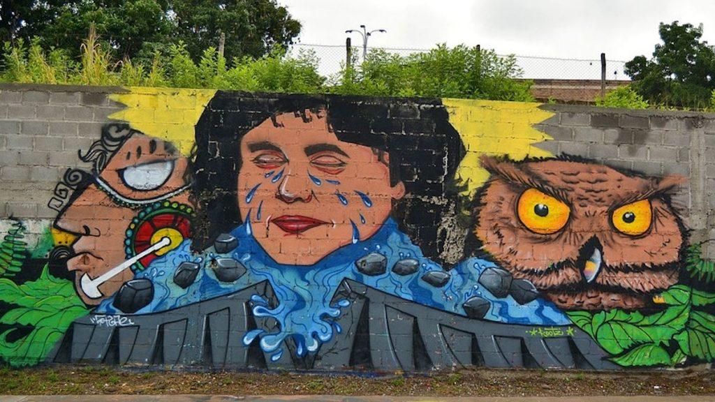 Graffiti von Berta Cáceres inTegucigalpa, Honduras.