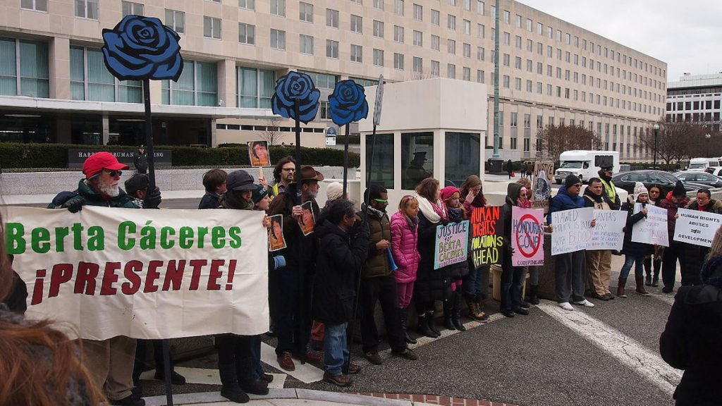 Gerechtichkeit für Berta Cáceres! ©Gerechtigkeit für Berta Cáceres! ©Slowking4/www.wikipedia.de