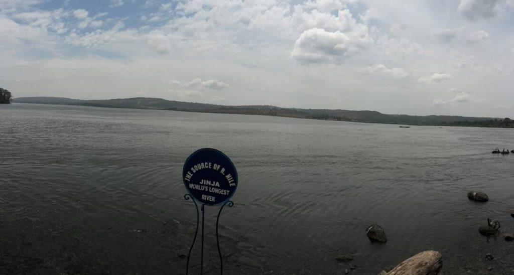 Quelle des Nil's -Wasser fließt vom Viktoriasee in den Nil