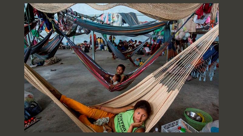 Indigene des Volkes Warão im Auffanglager der Pfarrei Pacaraima © Felipe Larozza