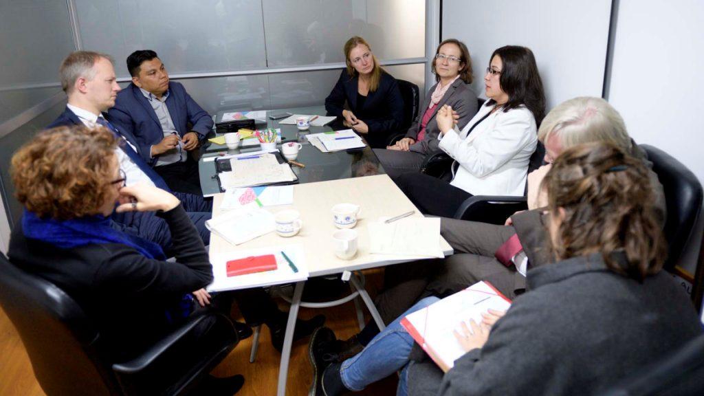 Im Gespräch mit dem Deutschen Richterbund und FASOL. © Florian Kopp/MISEREOR