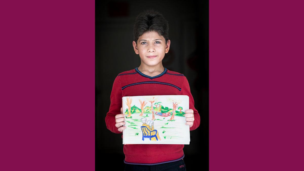 """""""Wenn ich zeichne, bin ich in einer anderen Welt."""" sagt Zaid. Foto: Greven/MISEREOR."""