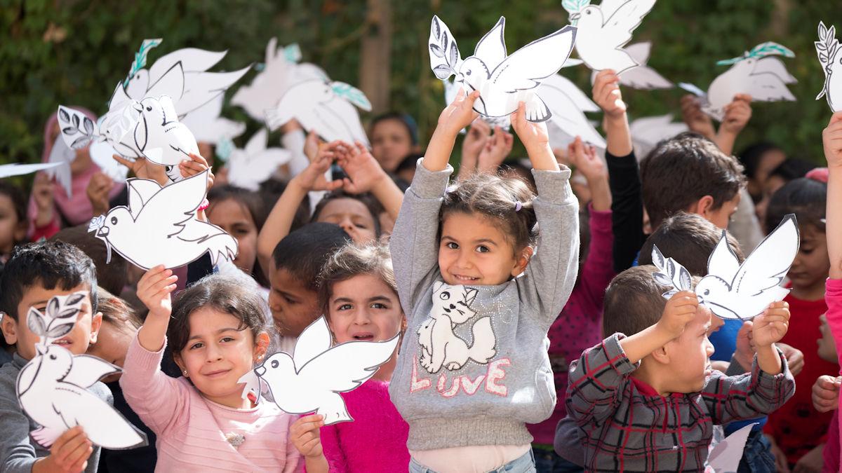 Der Kunstunterricht in der Schule wird von den Kindern begeistert angenommen. Foto: Greven/MISEREOR.