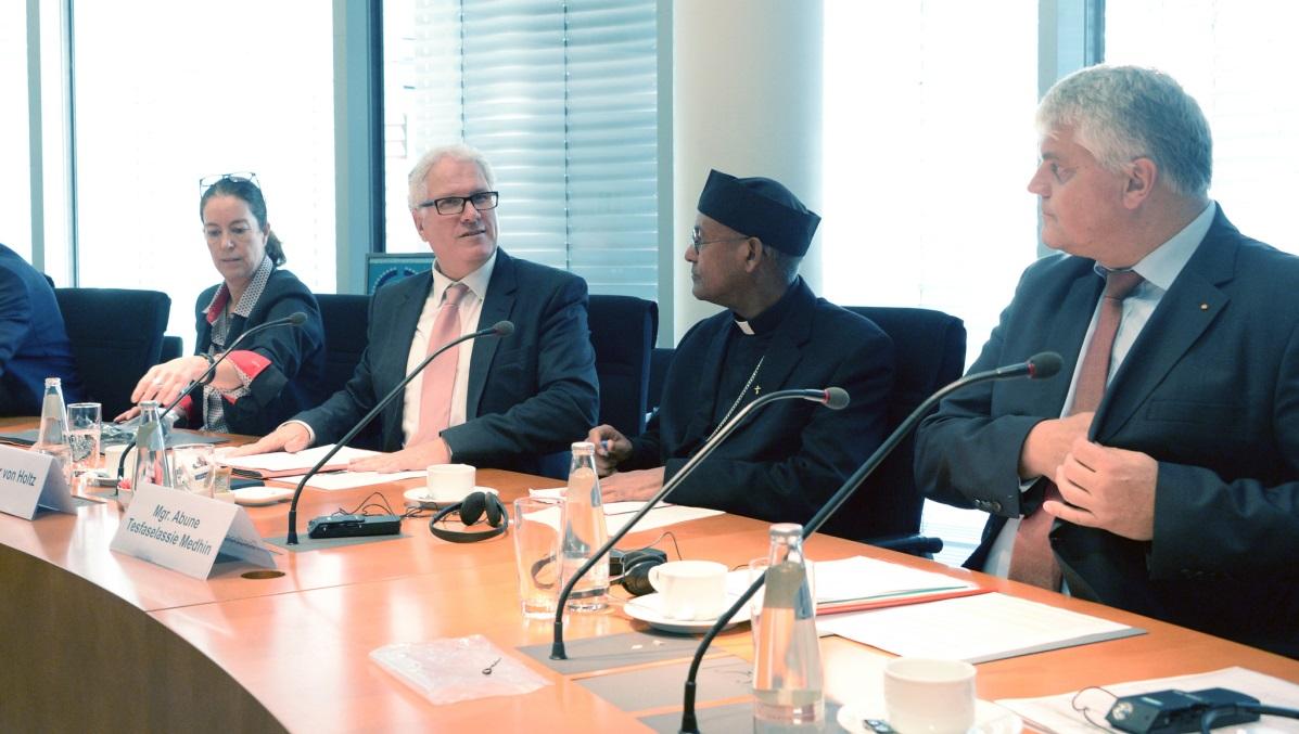 Bischof Tesfaselassie Mehdin aus Äthiopien im Bundestag © www.bundestag.de