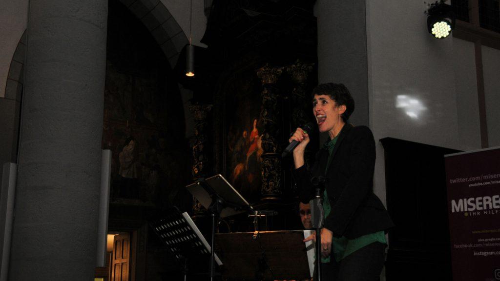 Chorleiterin und Gesangstrainerin Tanja Raich © MISEREOR