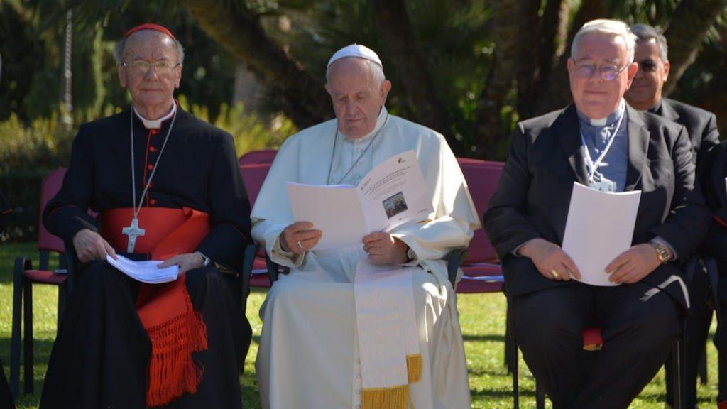 Papst Franziskus und Kardinal Hollerich