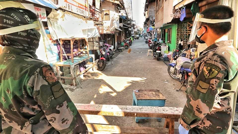 Ein Bereich des Stadtteils Luz von Cebu-City wurde von der Armee  mit gepanzerten Fahrzeugen abgeriegelt.