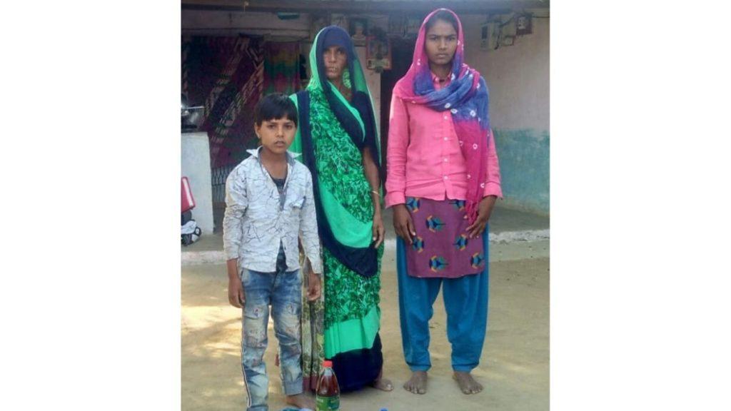 Zwei Frauen und ein Junge