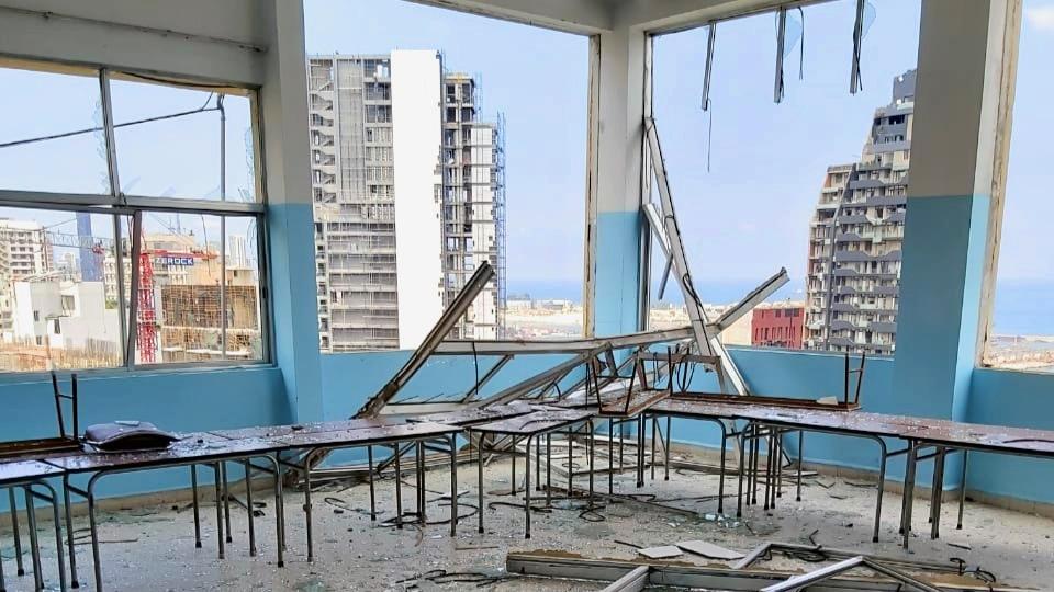 durch Explosionen zerstörtes Schulgebäude in Beirut