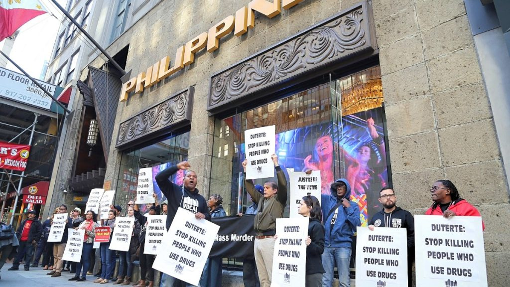 Protest against the Philippine war on drugs in New York City 2016